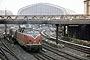 "MaK 2000016 - DB ""220 016-0"" 29.06.1981 - Hamburg, HauptbahnhofThomas Gottschewsky"